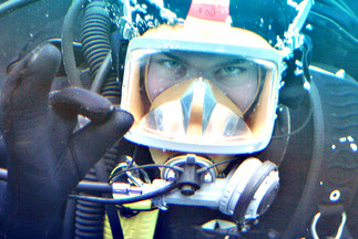 Plongeurs au travail