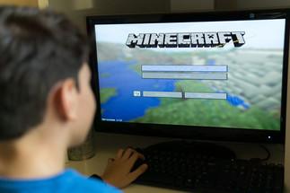 JOUONS ENSEMBLE: JEUX VIDÉO /  LET'S PLAY TOGETHER: VIDEO GAMES