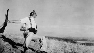 Robert Capa et le photojournalisme : du mythe à la controverse