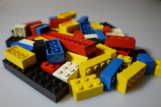 FAIS-MOI UN LEGO