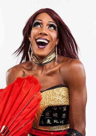 Heure du conte avec une drag-queen