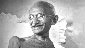 Gandhi (1869-1948) : Le mahatma dans l'ombre et la lumière - COMPLET