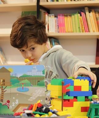 Club de LEGO STIM avec Julie Sélesse (6-12 ans)