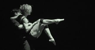 Avril danse : LOUISE LECAVALIER