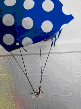 Bricolage en accès libre « La bibitte en parachute! »