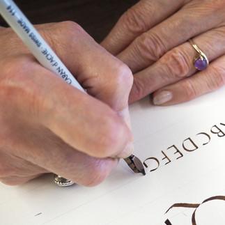 Atelier de calligraphie avec Yolande Lessard et la société des calligraphes de Montréal