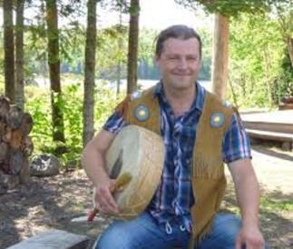 Atelier de survie autochtone, avec Mike Paul Kuekuatsheu