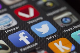 Table ronde: «Internet, médias sociaux et fuites  vers une redéfinition de l'activité politique à l'ère de Trump?»