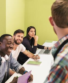 Renouvellement du CAQ et du permis d'études (pour étudiants étrangers)